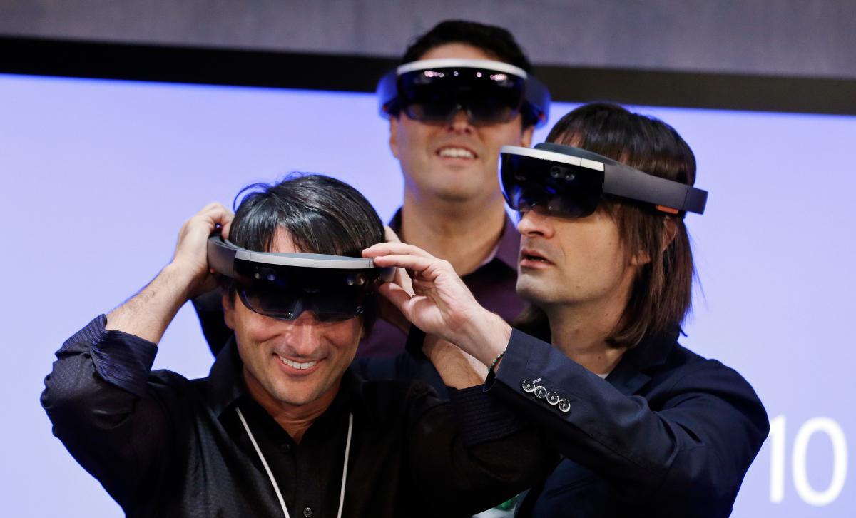 Kính thực tế tăng cường HoloLens