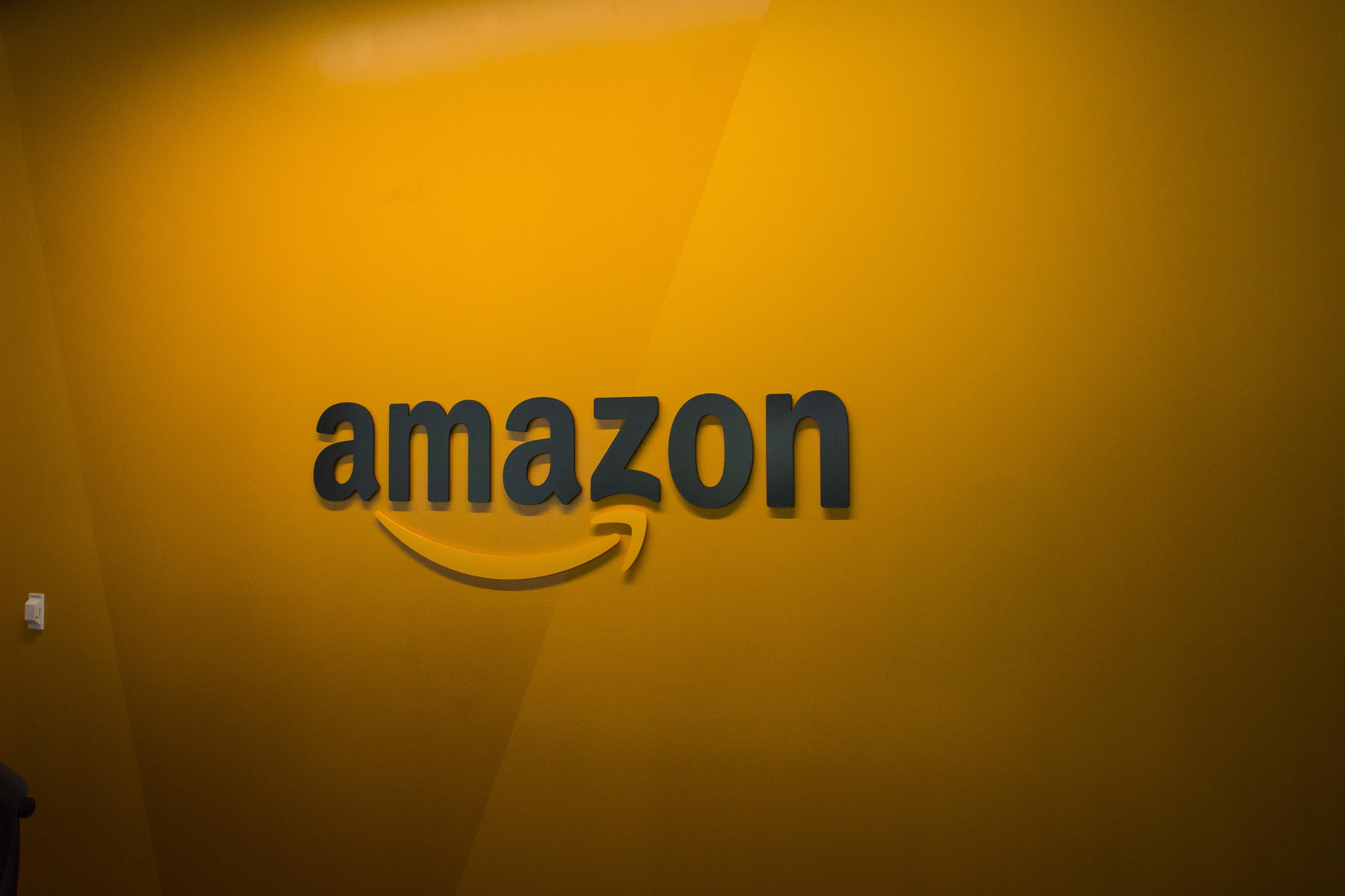Amazon sắp soán ngôi Walmart trở thành nhà bán lẻ lớn nhất Mỹ.