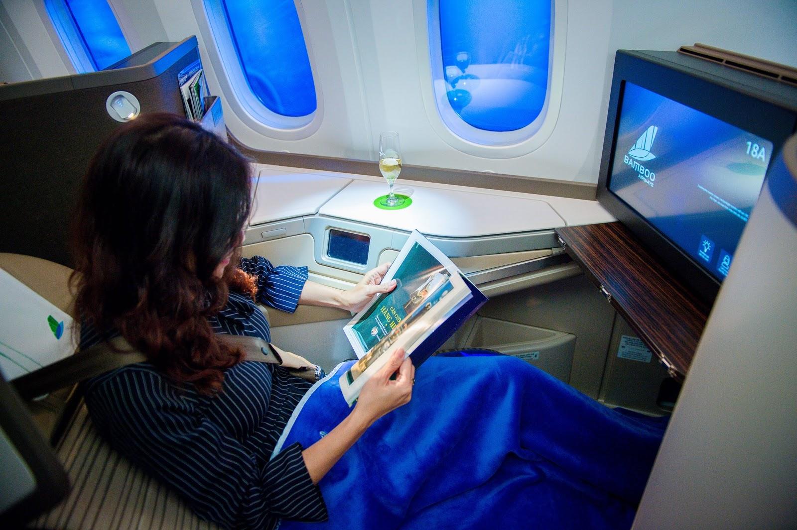 Quảng cáo tạp chí máy bay Việt Nam – tại sao không? marketingreview.vn