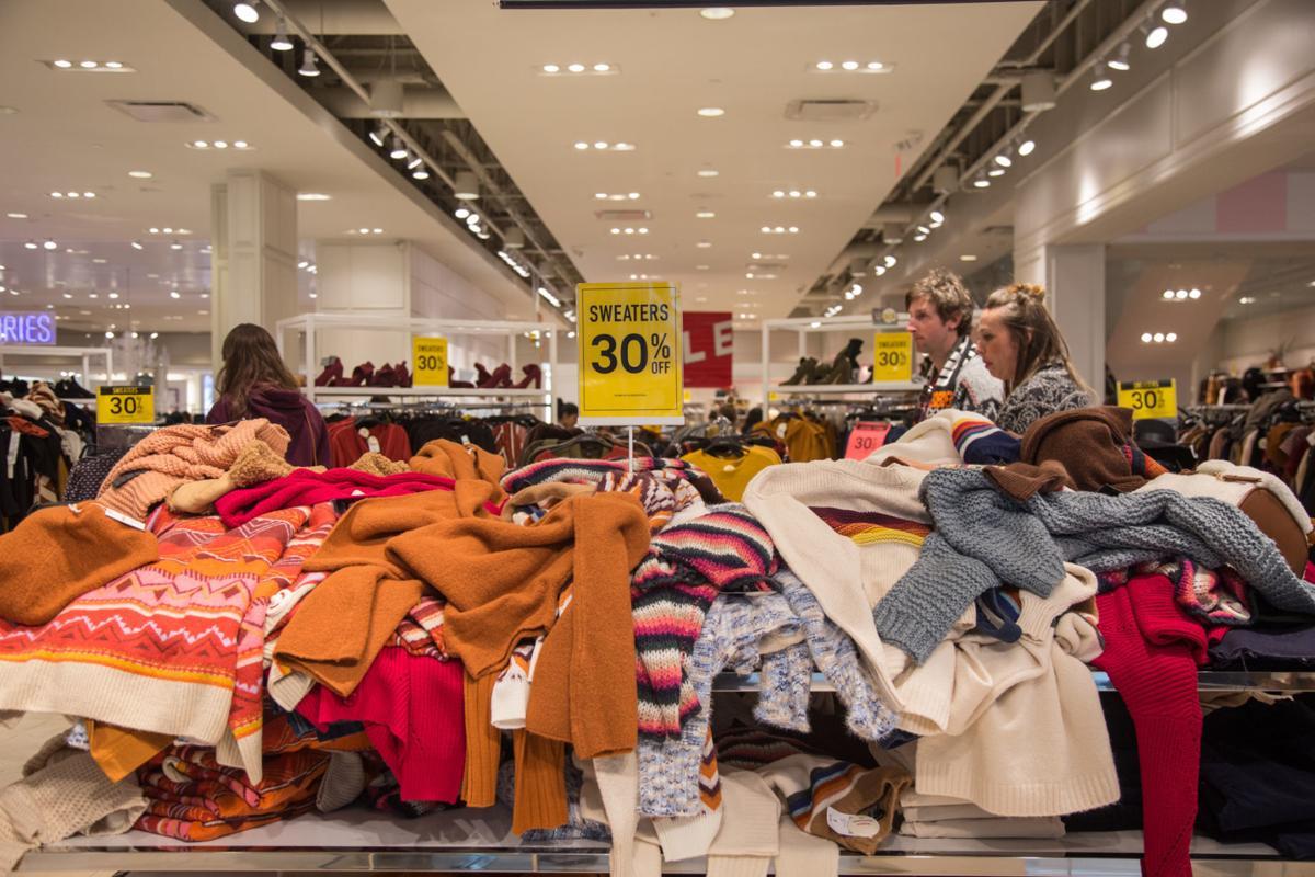 """Fast Fashion - """"Sức hút"""" không thể chối từ và """"hệ lụy"""" không thể chối cãi marketingreview.vn 3"""