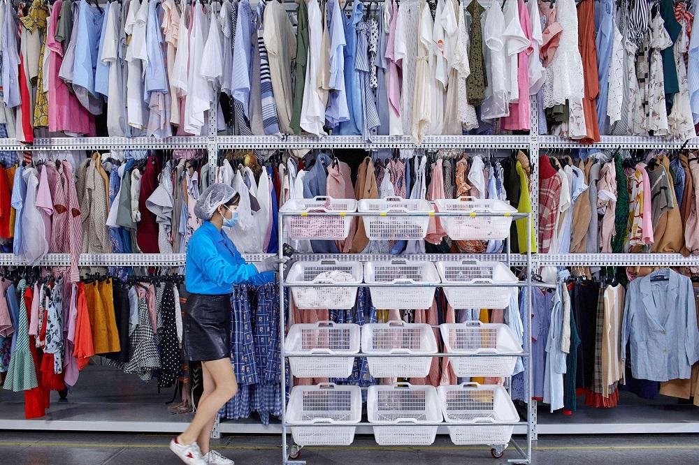"""Khách hàng mua sắm trong mùa lễ hội tăng mạnh ở phân khúc hàng hóa cao cấp """"resale"""" marketingreview.vn 3"""