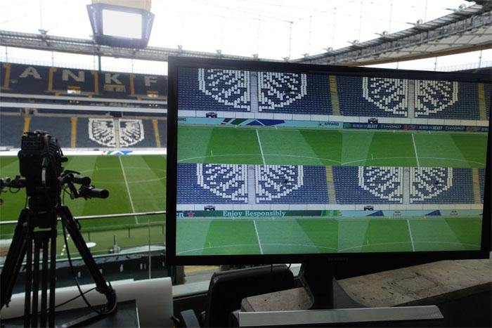 Bí ẩn Euro: Quảng cáo trên sân khác biệt khi xem các kênh khác nhau? marketingreview,vn